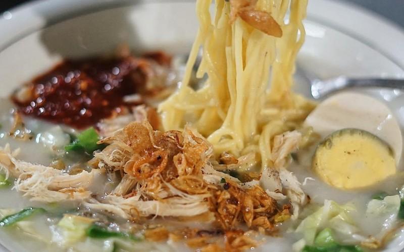 makanan-khas-cirebon -mi-koclok