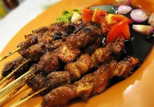 makanan-khas-cirebon-sate-kalong
