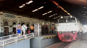cirebon stasiun kereta api kejaksan