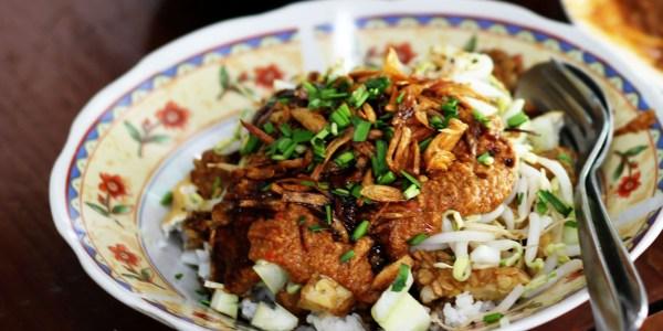 makanan-khas-cirebon-nasi-lengko
